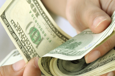 Podbicie EUR/USD wsparło PLN
