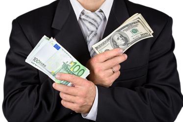 Dolar szybko oddaje pole innym