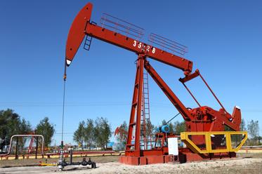 Nietrwały sukces producentów ropy w próbie zbilansowania rynku