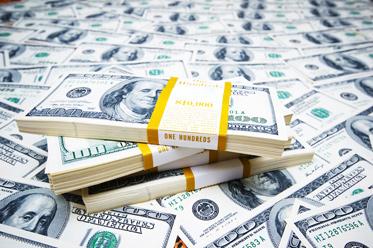 Powell cementuje obniżkę stóp w lipcu