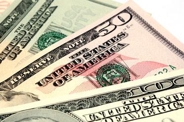 EUR i GBP nadal pod presją silnego dolara